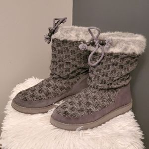 Comfortable Skecher Boots ~ Size 7